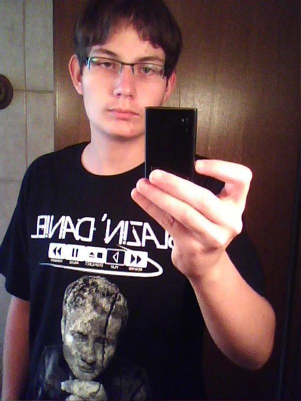 Denkmal-Shirt-8-Julian